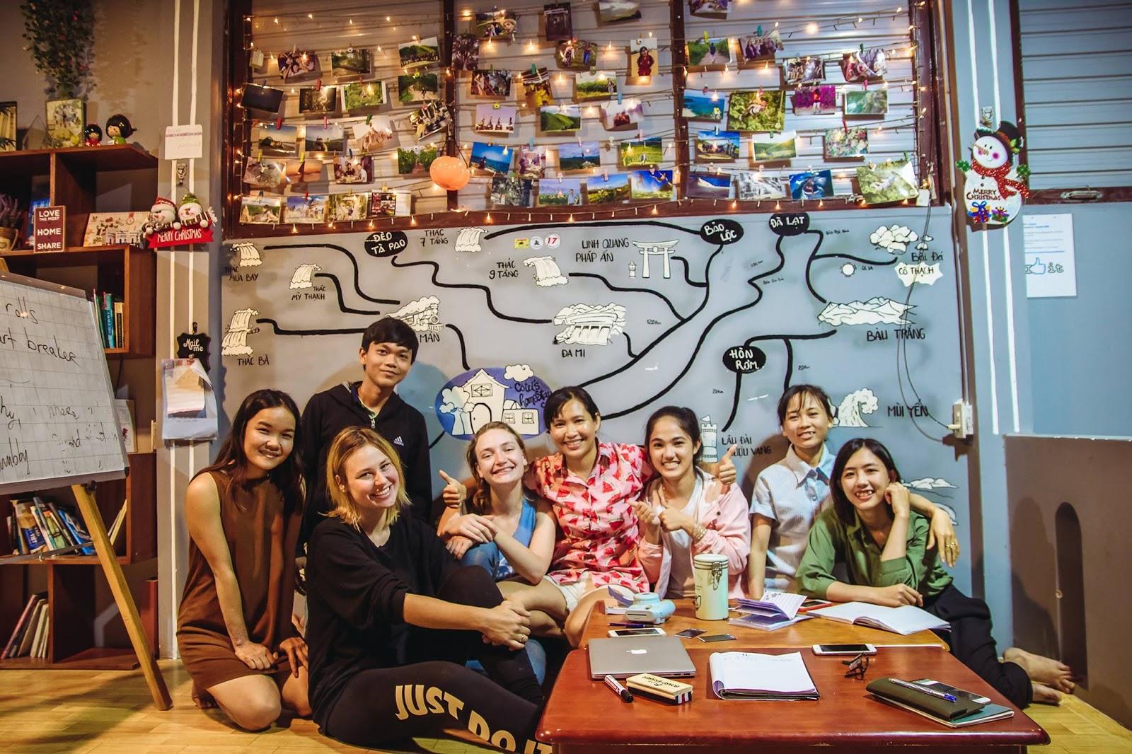 Cùng sống, cùng học, cùng chơi và cùng trải nghiệm với người nước ngoài
