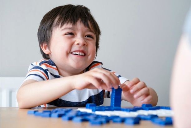 Tham gia các trò chơi Tiếng Anh sẽ giúp trẻ ghi nhớ từ vựng tốt hơn