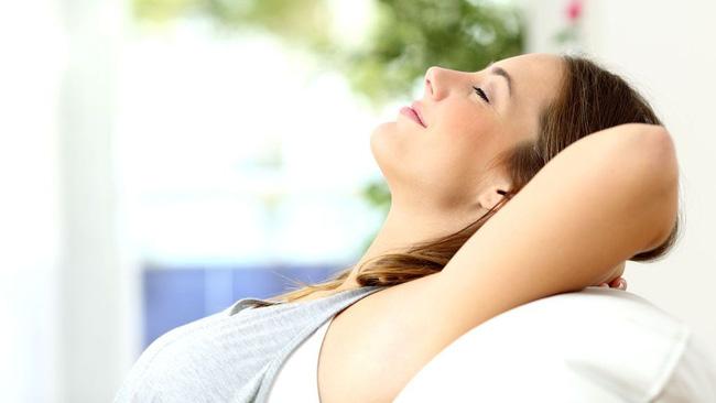 Thả lỏng cơ thể và hít thở sâu giúp cải thiện trí nhớ của bạn